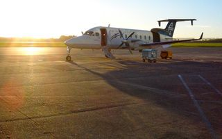 Eagle Air Beech 1900D Hamilton